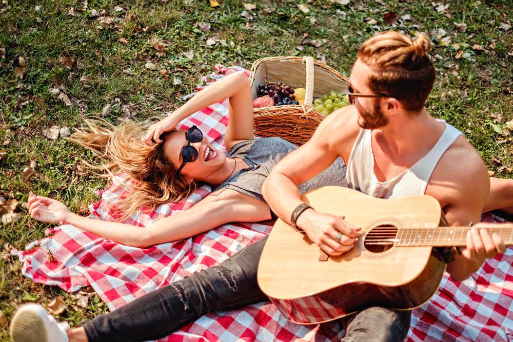Planes en pareja al aire libre que debes probar si estás en Madrid